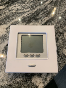 Carrier TC-PAC01 White Thermostat