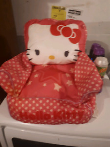 Kelly kitty toddler chair