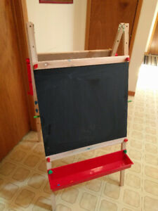 Childrens whiteboard, painting, chalk board, and art easel