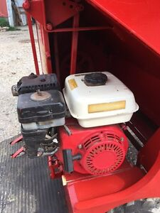 FARM!!! BODCO 53 Power Feed Cart Stratford Kitchener Area image 3
