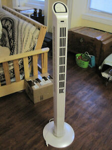 Oscillating tower fan