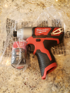 Milwaukee impact driver with battery