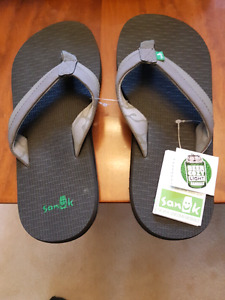 Sanuk Beer Cozy Flip Flops - Men's Size 8