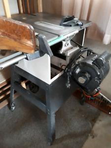 Rockwell Beaver table saw and stand
