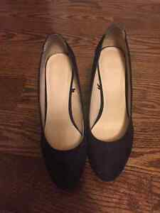 Suède and printed leather trim shoes size 6