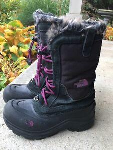 Girls size 3- winter boots and rain boots