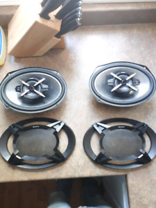 2 Sony 6x9 4 ohm speakers
