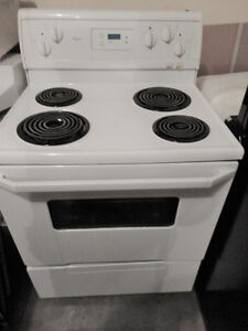 Whirlpool Coil Stove in Very Good Condition