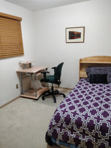 1 upstairs furnished bedroom in furnished house, available now!