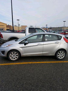2012 ford fiesta    5300,or best offer