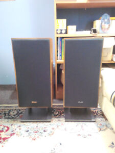 Axiom AX5 Speakers