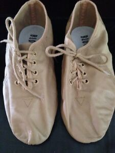 Beige jazz shoes size 5. Bloch brand.  Belleville Belleville Area image 2