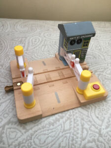 Learning Curve 99961 - Thomas & Friends Deluxe Railroad Crossing