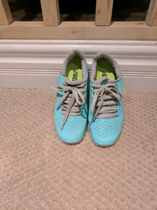 Nike Sneakers size 5.5 womens