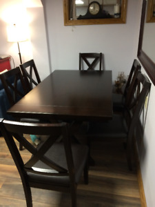CANVAS Evan's Creek Dining Table and 6 Chairs