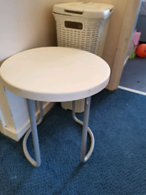White Table / coffee table