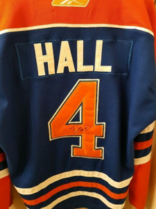 Signed Taylor Hall Edmonton Oilers Hockey NHL Jersey XL