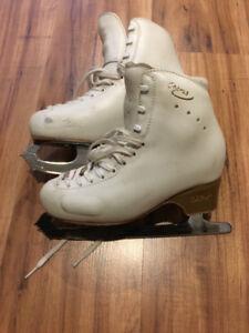 Edea Figure Skates