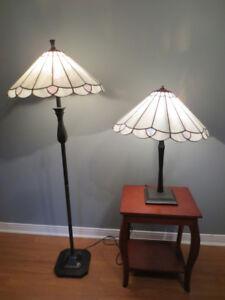 Lampe de table 40$ lampe sur pied 60$ les 2 pour 90$.