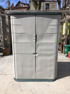 Large Rubbermaid Storage Vertical Storage Shed / Cabinet