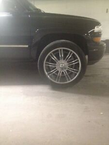 "22""chrome rims and tires for 6bolt  truck . 6x139.7"