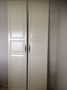 2 portes penderie pax Ikea 19'' X 90'' avec trou poignée 6 1/4''