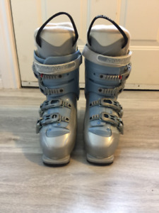 Salomon Women's Ski Boots- Size 26.5 (fits size 8.5-9)