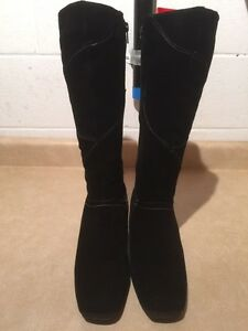 Women's Tall Black Winter Boots Size 9 London Ontario image 3