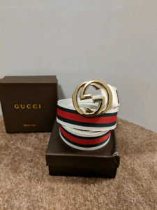 White/Red Gucci belt