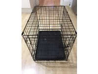SMALL TRAINING DOG CRATE! Almost new. Used for 4 weeks.