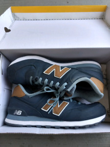 Selling Men's New balance 574