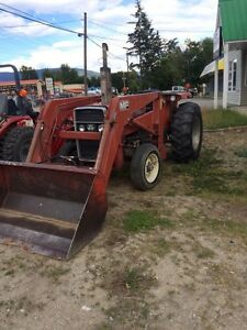 Massey furgasen 245 tractor with loader