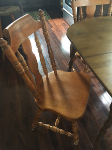ANTIQUE! CRAZY GOOD PRICE! Solid Oak Chair!