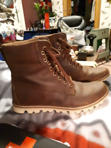 Timberland Earthkeepers womens boots size 10