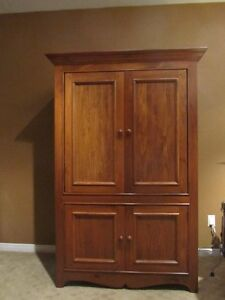 Solid Pine Entertainment Armoire / TV & Stereo Unit