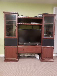 Sauder TV Entertainment Centre