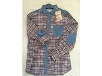 Mens Casual Shirt (size medium)