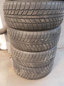 4 pneus hivers 205/55R16 Evergreen