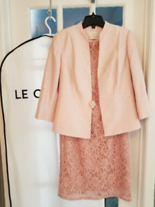 Ensemble de robe ($75) et veston ($50)
