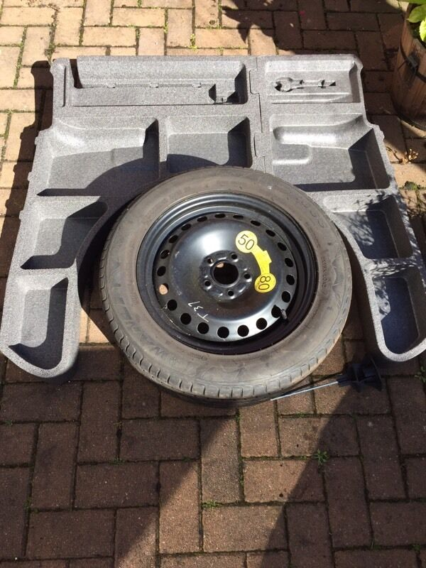 Ford Mondeo Mk4 Boot Riser Spare Wheel And Carpet In