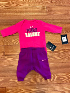 Baby Nike outfit 0-3 months