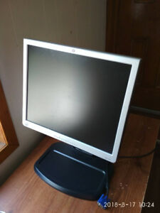 HP computer screen for sale (37cm x 31cm)