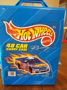 HOT WHEELS CARS AND CASE