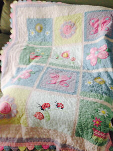 Girls quilt and pillow sham- Single bed.