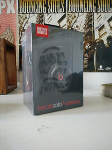 Beats Solo 2 Wireless Headphones - Black-Brand New Cambridge Kitchener Area image 6