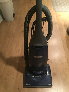 Kenmore upright vacuum great condition