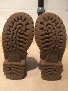 Women's B.U.M Boots Size 7 London Ontario image 4