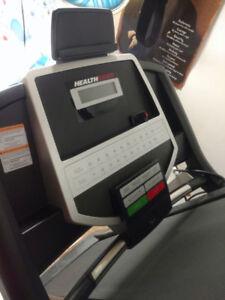 Tapis roulant de marche électrique.  Health Rider.   260$.