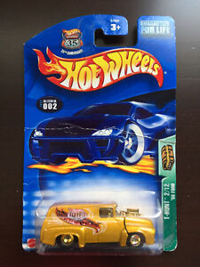 Hot Wheels T-Hunt '56 Ford & McDonald's Racing Team Dragster