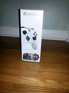 Xbox ONE, 1TB, new, unopened, unused $400 OBO